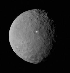 Cérès par Dawn Cryovolcanisme? NASA